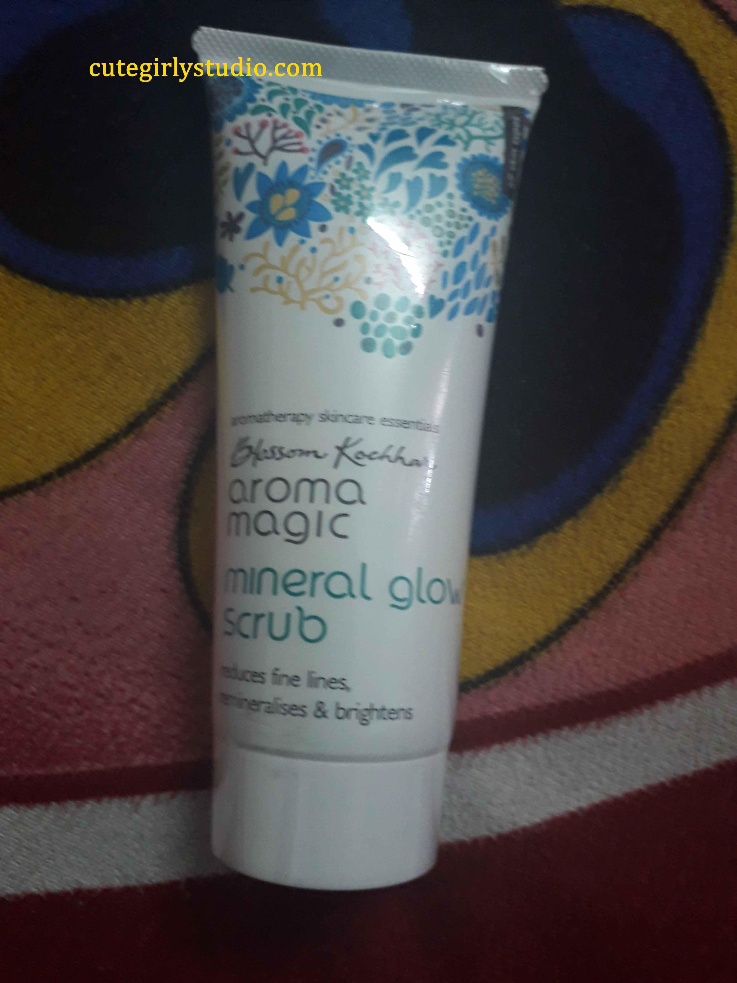 Aroma magic mineral glow scrub