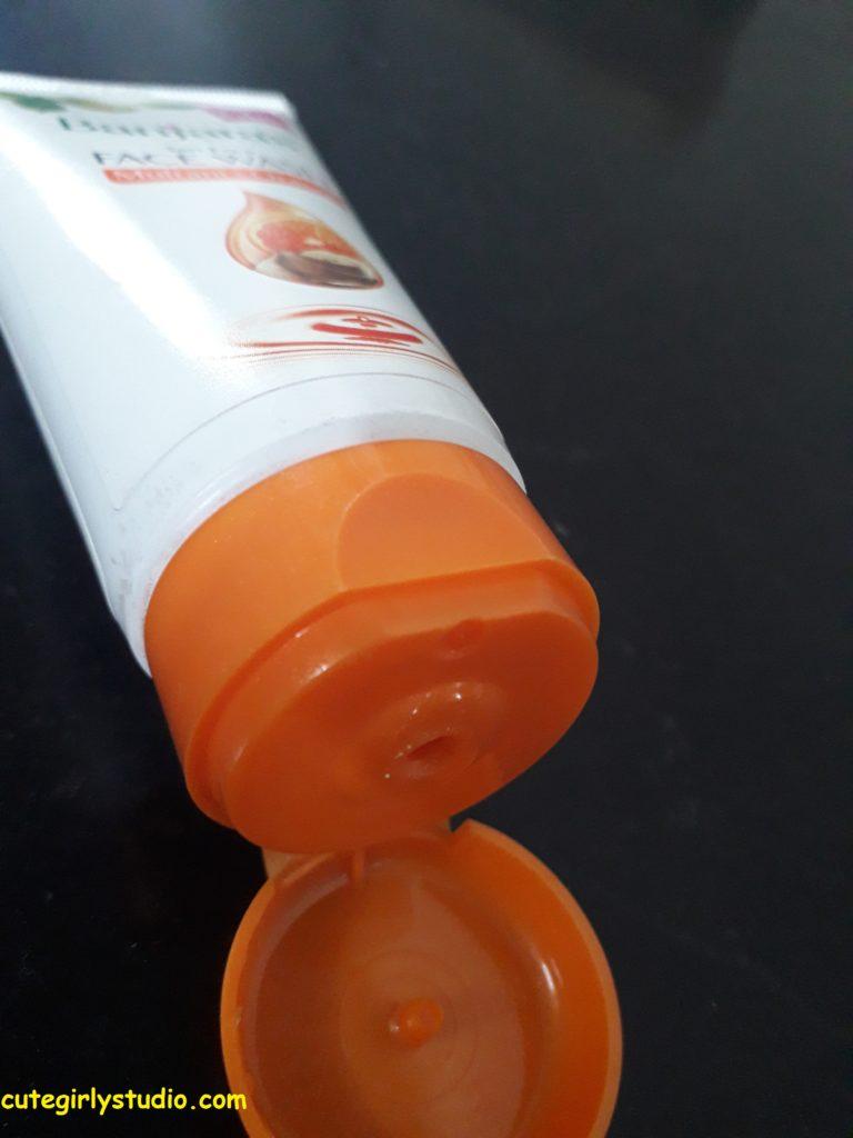 banjara's tan free face wash orange + multani