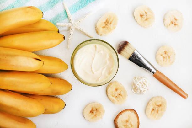 banana and milk powder face mask for dry skin